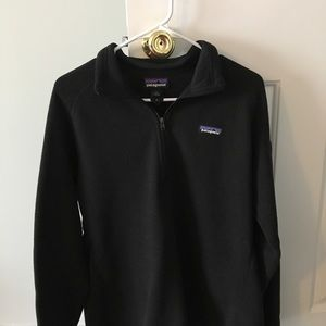 Women's 1/4 zip black fleece!